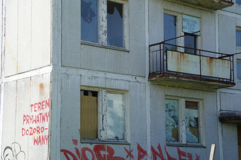 Klomino - budynek pod nadzorem i ochroną