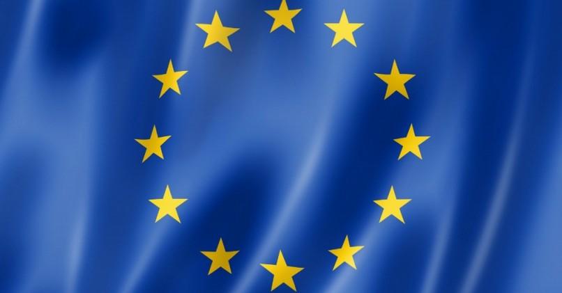 Flaga Unii Europejskiej to nie kawał szmaty!
