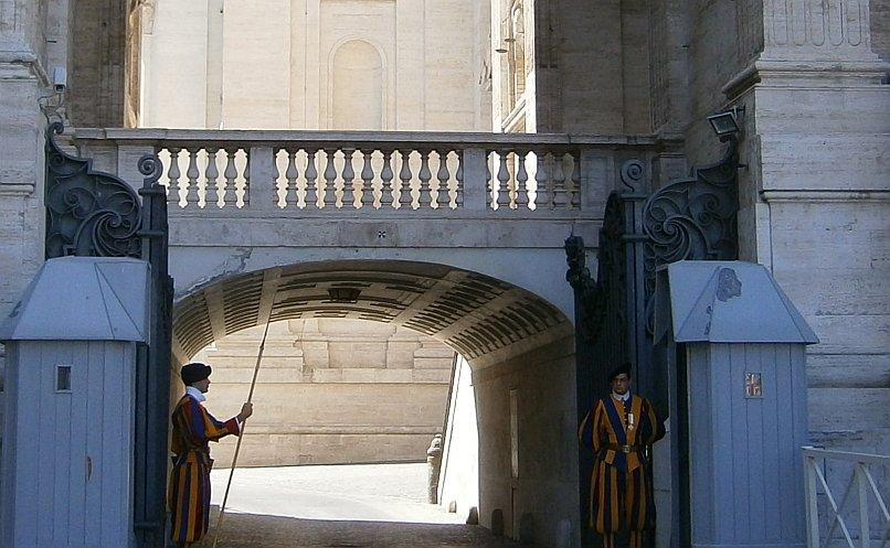 Watykan - zmiana warty