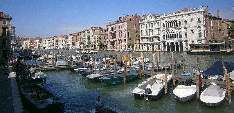 Wenecja - kanał przy targu rybnym