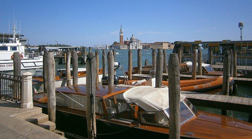 Wenecja - przystań dla łodzi
