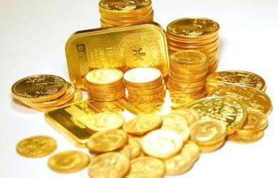 Złote sztabki i monety